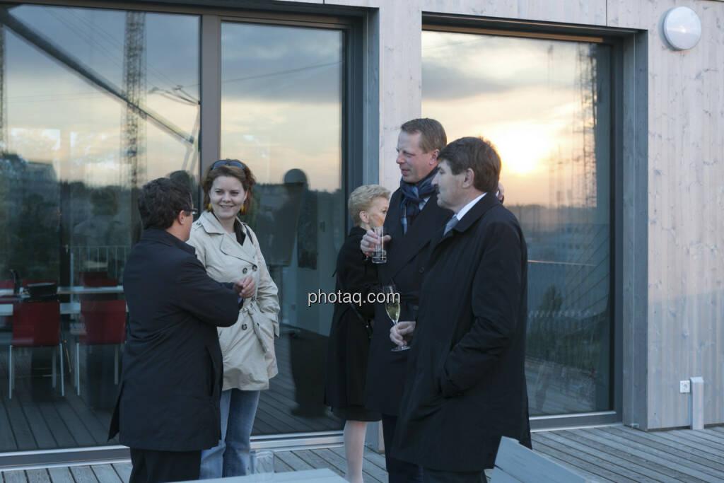 Friedrich Wachernig (S Immo, 2. von rechts), Ernst Vejdovszky (S Immo, rechts), © Martina Draper (15.12.2012)