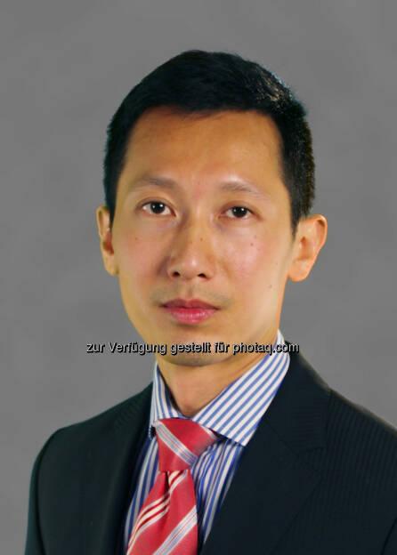 """SooHai Lim, Investmentmanager des Baring ASEAN Frontiers Fund: """"Eines der größten Risiken für die ASEAN-Region war bisher das politische Risiko. Dieses ist jedoch im Verlauf der letzten sechs Monate in den am meisten betroffenen Ländern, Indonesien und Thailand, zurückgegangen. Die politischen Entwicklungen in Thailand und die geäußerte Zielsetzung, das Land schnell und effizient zu einer stabilen Regierung zurückzuführen, ermutigen uns und wir betrachten Thailand als einen Kernbestandteil im Baring ASEAN Frontiers Fund. Das Land pflegt nicht nur eine starke Beziehung zu dem benachbarten Myanmar, welches sich zu einem bedeutenden Teilnehmer in der ASEAN-Region entwickelt hat, sondern ist auch das Zentrum des spannenden neuen AEC-Handelsblocks."""", © Aussendung (24.09.2014)"""