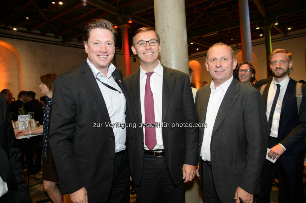 Michael Stix (Geschäftsführer PRO7 Sat1 Puls4 Gmbh), Alain Favey (Vorstand Porsche Holding) und Hans-Peter Schützinger (Vorstand Porsche Holding), © Telekom Austria Group / Rainer Eckharter (24.09.2014)