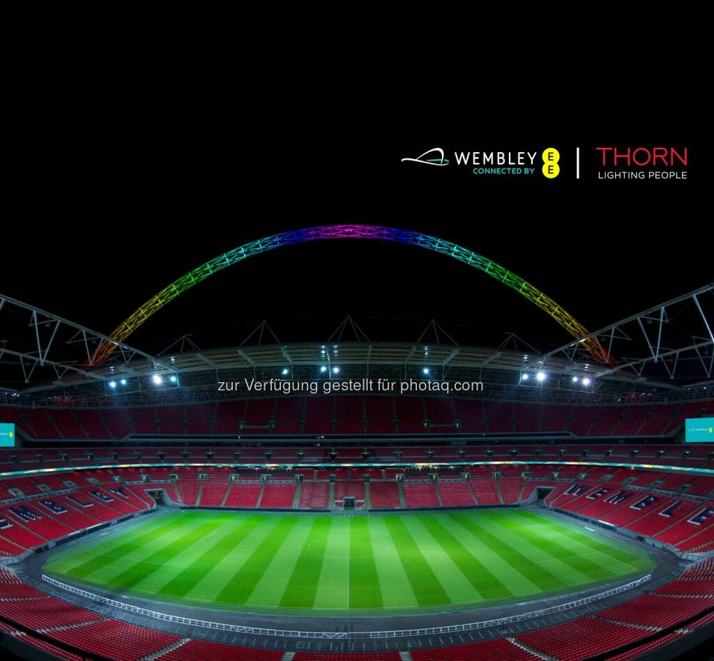 Thorn, eine Marke der Zumtobel Group, ist seit vier Jahrzehnten Lichtpartner des Wembley Stadions connected by EE. Im Zuge dieser langjährigen Zusammenarbeit hat der Spezialist für Außen- und Sportstättenbeleuchtung nun den Stadion-Bogen beleuchtet, der als 133 Meter hohes Wahrzeichen in ganz London sichtbar ist., © Aussender (25.09.2014)
