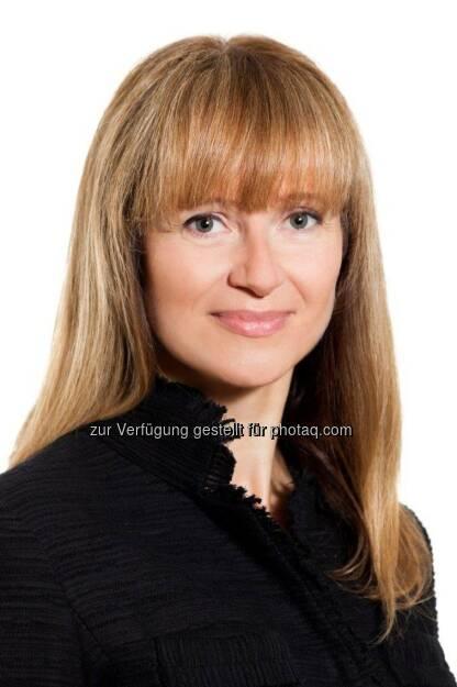 Elke Koch neue Leiterin Investor Relations & Kommunikation bei AT&S AG - Elke Koch (45) ist seit 15.9.2014 Director Investor Relations/Public Relations der AT&S AG. In dieser Funktion wird sie die gesamte Kapitalmarktkommunikation, die interne und externe Konzernkommunikation sowie die Public Affairs Agenden des international führenden Leiterplattenherstellers mit Headquarters in Leoben, Steiermark, verantworten.  Sie leitete zuvor die Konzernkommunikation der börsenotierten RHI AG sowie Investor Relations und Kommunikation der s IMMO AG.  In ihrer neuen Funktion kann sie darüber hinaus ihre langjährige Kommunikationsberater- und Bankenerfahrung (Publico und Erste Bank) umfassend einsetzen. (c) Chris Singer, © Aussender (25.09.2014)