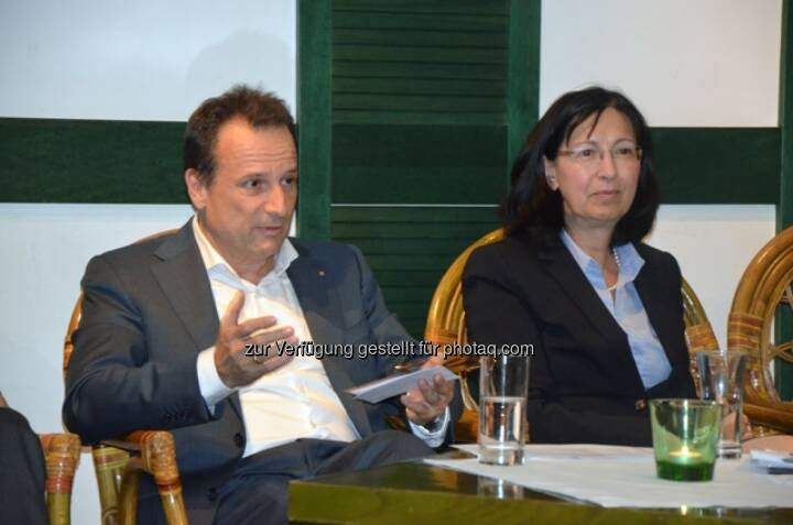 Martin Lachout, Vorstand der Arcotel Hotel AG und Dr. Renate Wimmer, Eigentümer der Unternehmensgruppe Arcotel.: Arcotel  Hotels & Resorts GmbH: Branchentreff im Arcotel Wimberger Wien: Hoteliers, Politiker und Tourismusexperten trafen sich zum Themenaustausch