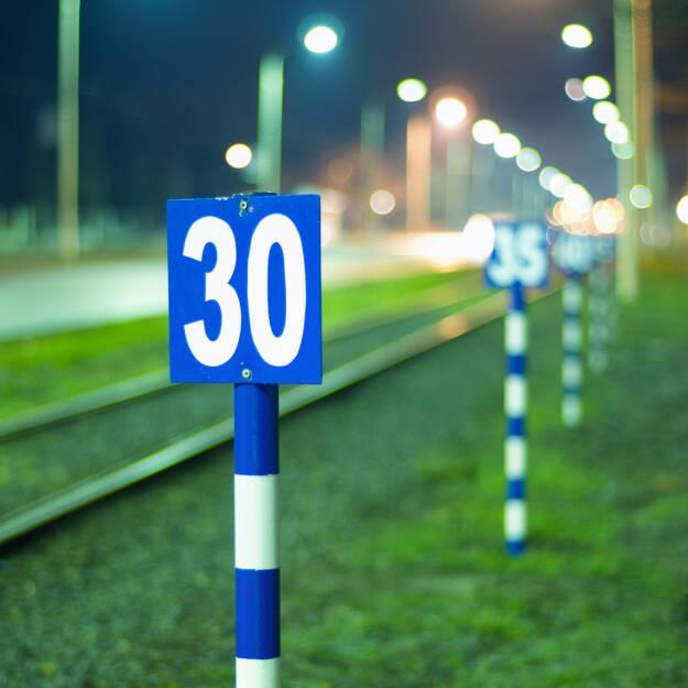 30, dreissig, Zahl, Ziffer, © (www.shutterstock.com) (26.09.2014)