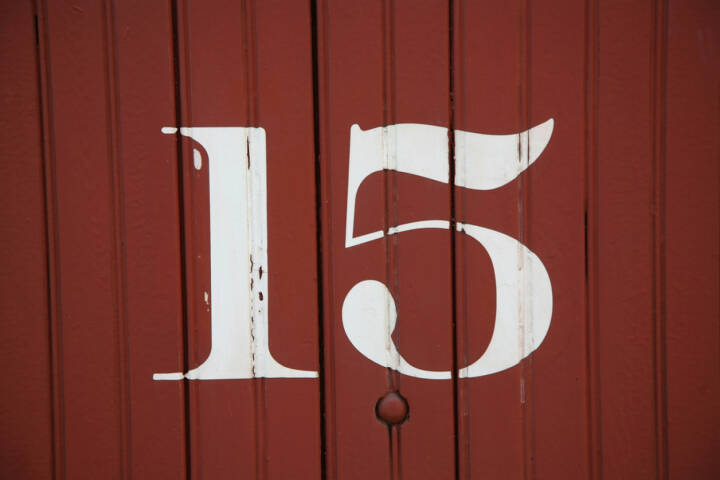 15, fünfzehn, Zahl, http://www.shutterstock.com/de/pic-129167567/stock-photo-numbers-painted-on-the-sides-of-old-railway-boxcars-from-the-early-to-mid-s.html