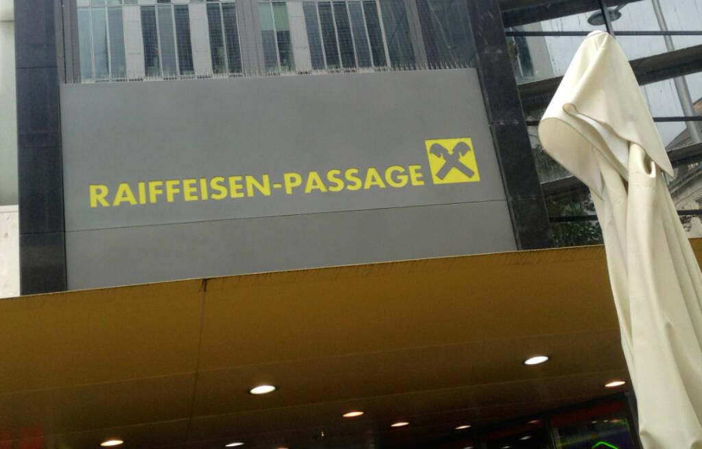 Raiffeisen-Passage, © diverse Handypics mit freundlicher Genehmigung von photaq.com-Freunden (27.09.2014)