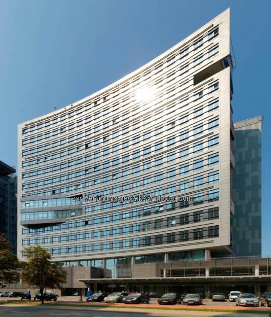 Die Immofinanz Group hat einen Mietvertrag über mehr als 7.000 m² für das Bürogebäude Equator in Warschau abgeschlossen. Mieter ist die polnische Generalinspektion für Straßenverkehr (Polish General Inspectorate of Road Transportation). , © Aussendung (29.09.2014)