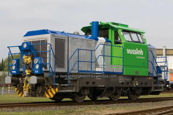 Vossloh Diesellokomotive der Baureihe G 6 - Diese Rangierlokomotive ist eine einfache und robuste Konstruktion, optimiert für den Rangiereinsatz in lokalen Netzen. Sie erfüllt die neuen gesetzlichen Normen und die EBO-Zulassungsanforderungen. (Bild: Vossloh, http://www.vossloh.com/de/press/press_photos/press_photos.html )