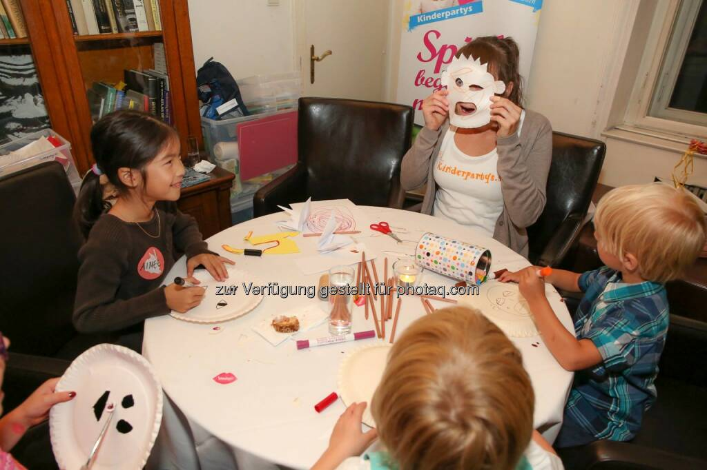Maske 10 Jahre ambuzzador © Katharina Schiffl (30.09.2014)