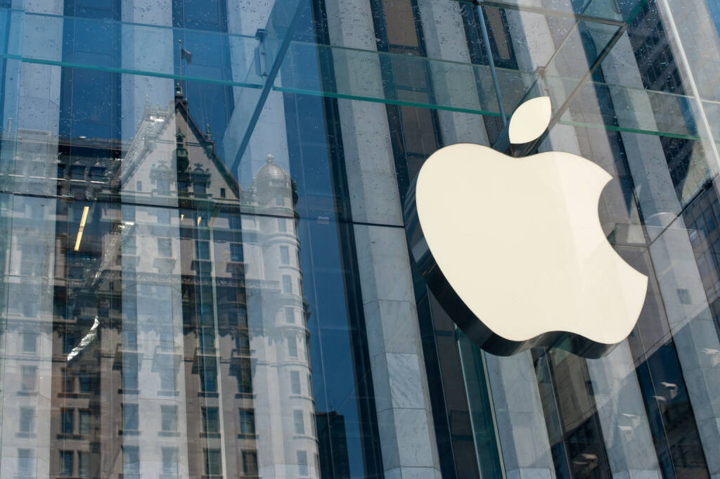 Apple Store Logo, New York City <a href=http://www.shutterstock.com/gallery-438058p1.html?cr=00&pl=edit-00>pio3</a> / <a href=http://www.shutterstock.com/editorial?cr=00&pl=edit-00>Shutterstock.com</a>, © www.shutterstock.com (01.10.2014)