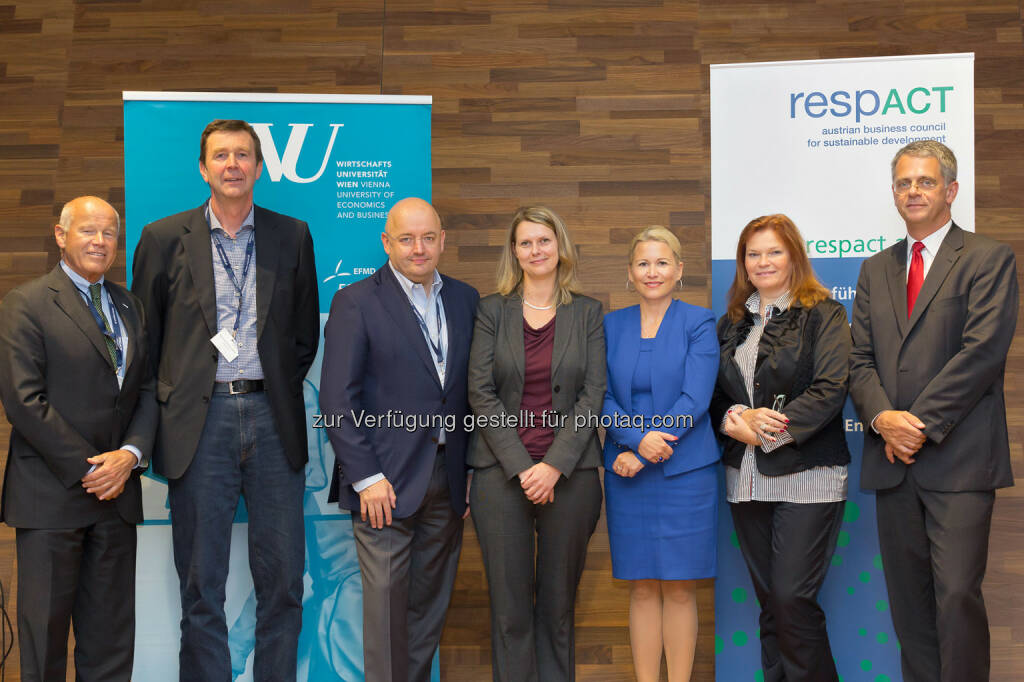 Heinz Felsner (respACT), Reinhard Hetzeneder (Löffler GmbH), Peter Bakker (WBCSD), Tina Sumann (AT&S AG-Group), Ursula Simacek (respACT & Simacek Facility Management Group GmbH), Eda Pogany (Coca-Cola HBC AG), André Martinuzzi (Institute for Managing Sustainability an der WU)respACT - austrian business council for sustainable development: Österr. CSR-Tag 2014: Wirkungsvolle Unternehmenslösungen für eine Nachhaltige Zukunft, © Aussender (01.10.2014)