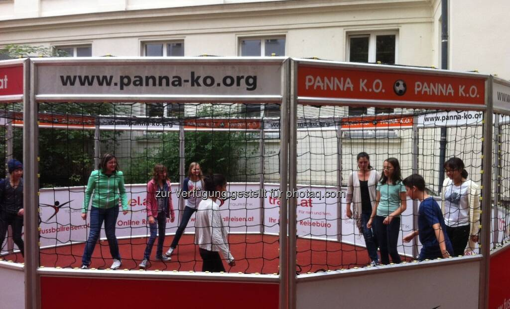 Panna-KO GmbH: Messi bewegt in der Pause unsere Schulkinder: Mobiles Tool für mehr spontane Bewegung tourt durch Wiener Schulen (02.10.2014)