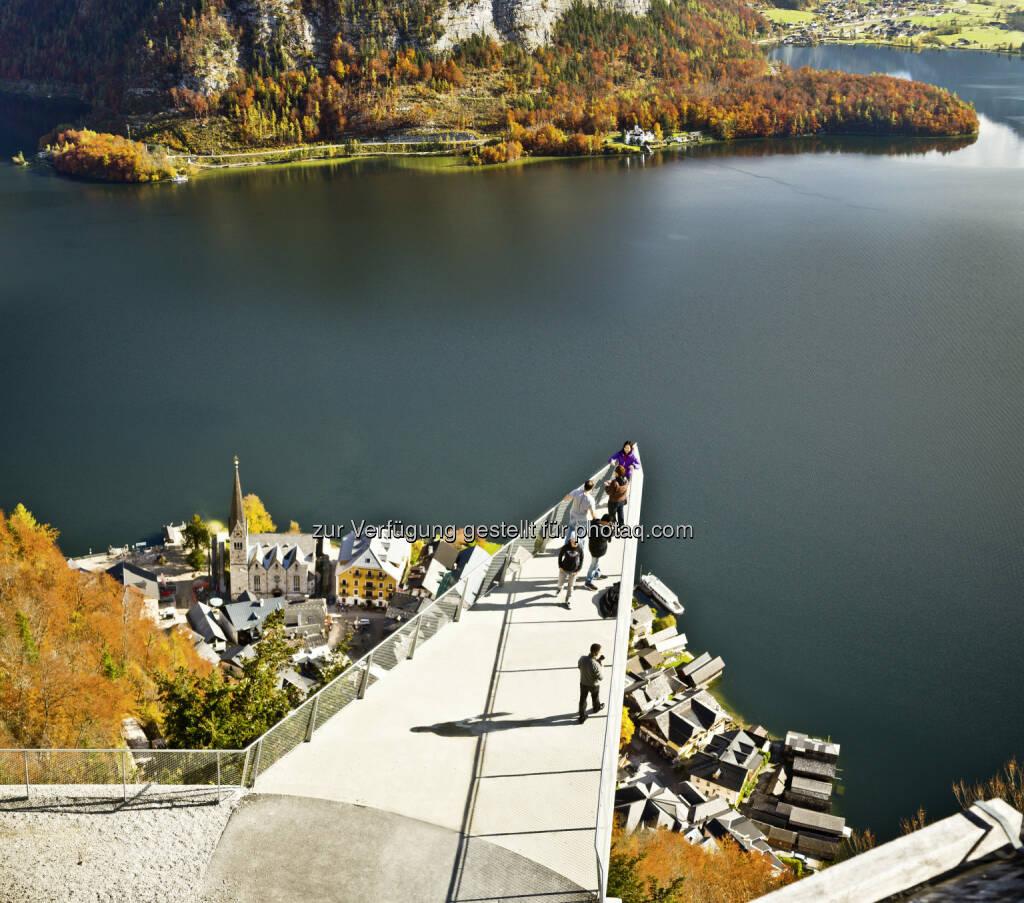 Salzwelten-Hallein-Hallstatt-Altaussee: Hallstatt Skywalk Welterbeblick, © Aussendung checkfelix (03.10.2014)