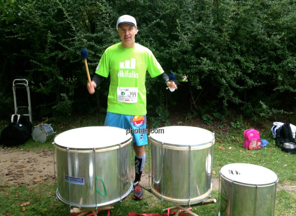Christian Drastil trommelt für wikifolio und Runplugged (04.10.2014)