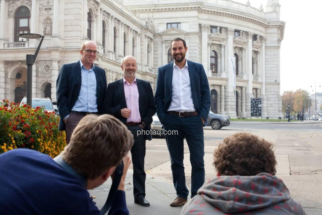 Oliver Holle, Hansi Hansmann, Andreas Tschas vor dem Burgtheater (07.10.2014)