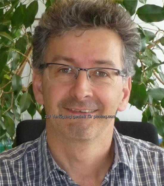 Günther Knör (Vorstand des Instituts für Anorganische Chemie JKU Linz) und Team gelang weltweit erstmals ein wesentlicher Schritt auf dem Weg zur Treibstoffgewinnung und CO2-Fixierung durch künstliche Photosynthese., © Aussender (07.10.2014)