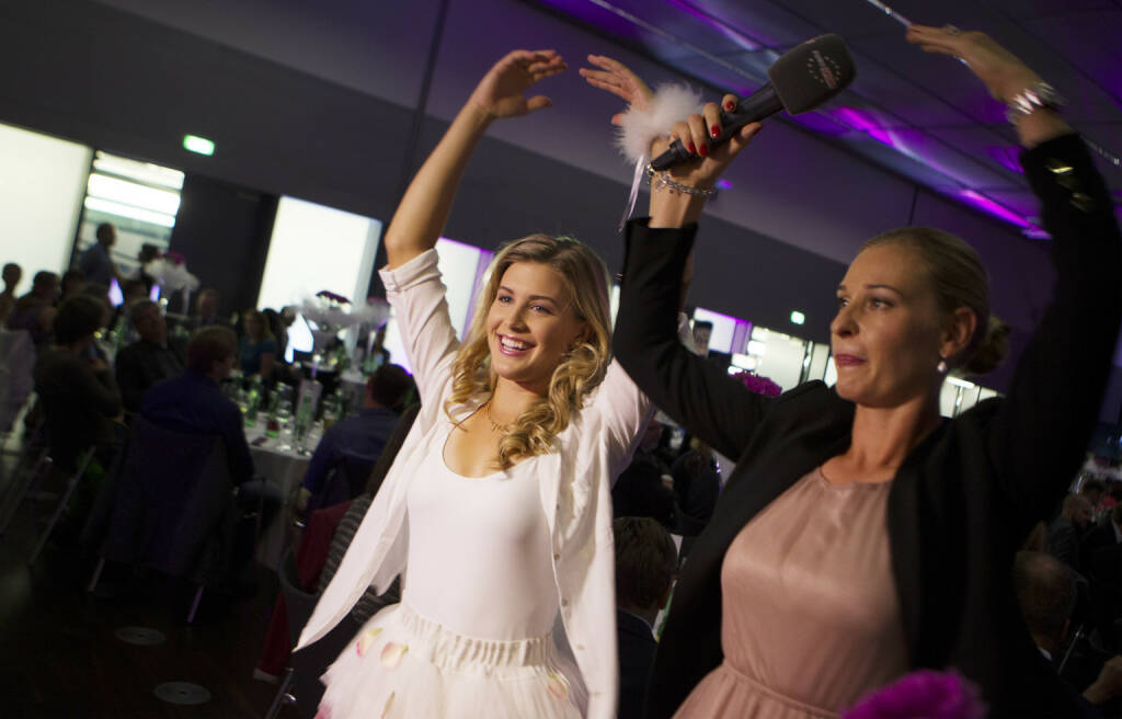 Eugenie Bouchard und Barbara Schett-Eagle bei der Players Party der Generali Ladies Linz /WTA TourPhoto: GEPA pictures/ Matthias Hauer, © Aussendung (07.10.2014)