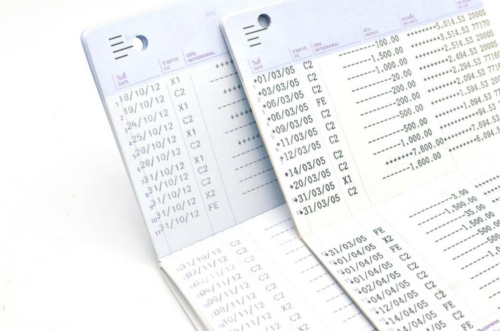 Bank, Sparbuch, sparen, http://www.shutterstock.com/de/pic-165159902/stock-photo-book-bank.html (07.10.2014)