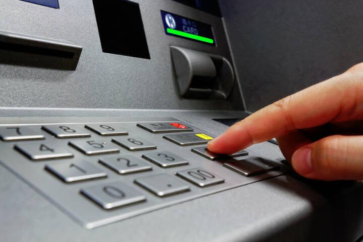am bankomat geld einzahlen
