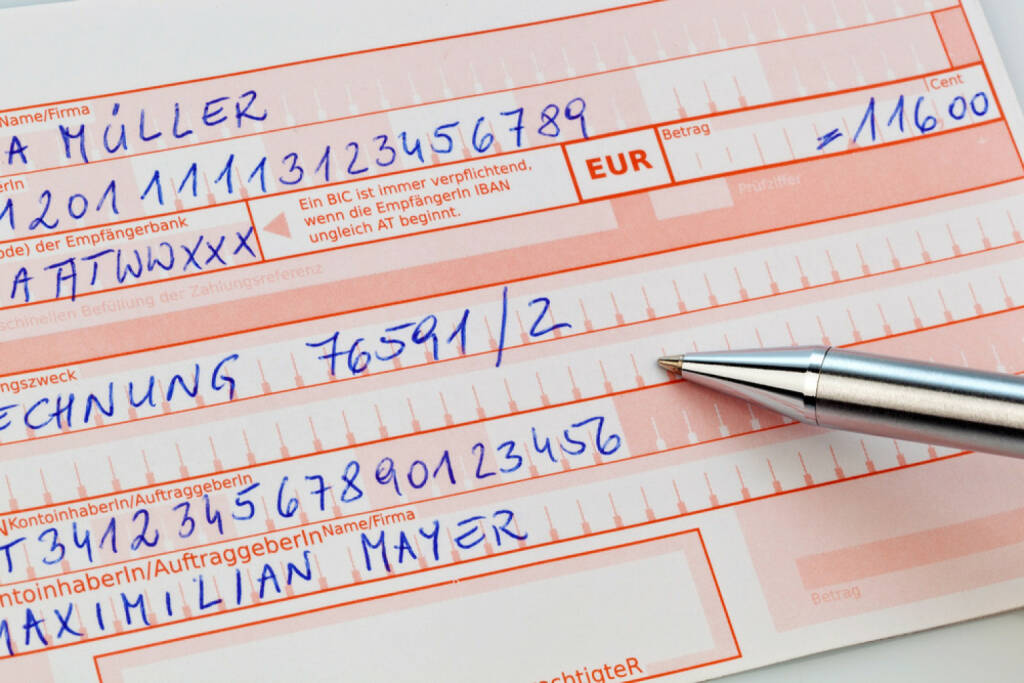 Bank, Überweisung, Zahlschein, zahlen, bezahlen, einzahlen, http://www.shutterstock.com/de/pic-202827043/stock-photo-a-number-schin-for-transfer-or-cash-payment-with-iban-and-bic-code-of-austria.html (07.10.2014)