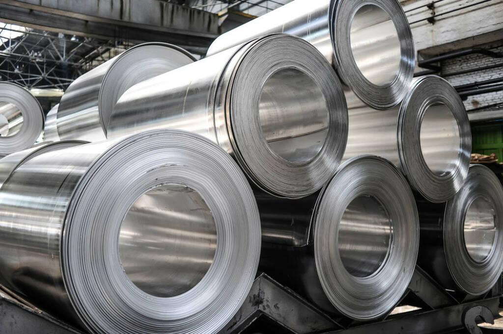 Stahl, Stahlrolle, Industrie, Metall, http://www.shutterstock.com/de/pic-166007741/stock-photo-rolls-of-aluminum-sheet.html (08.10.2014)