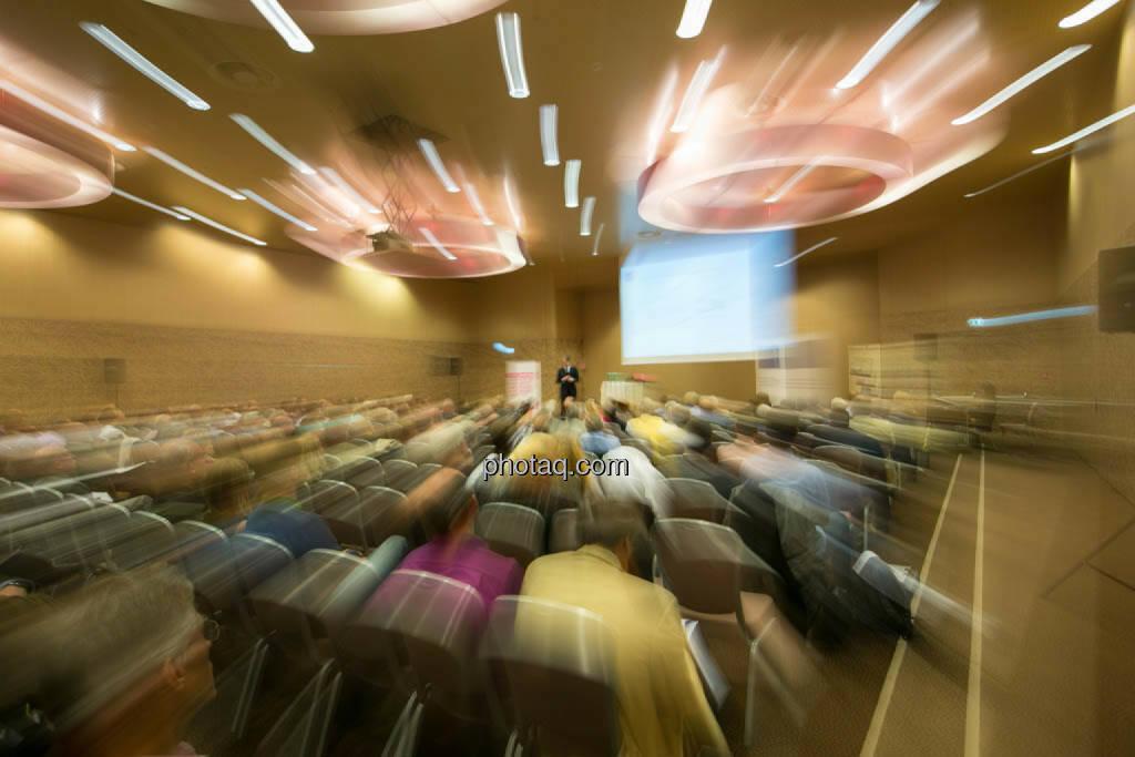 Kapitalmärkte in turbulenten Zeiten, Vola, Licht, © photaq/Martina Draper (09.10.2014)