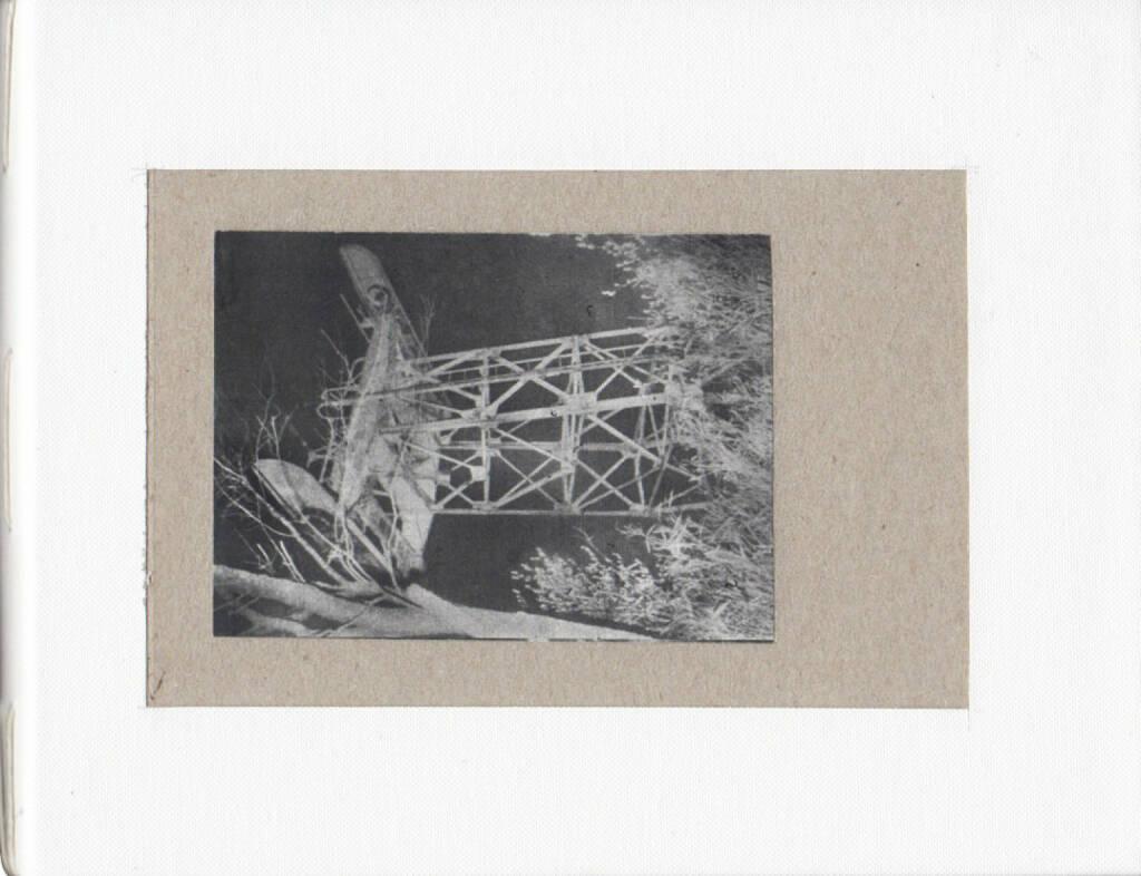 Daisuke Yokota - Teikai (Wandering at midnight), Akina Books 2014, Cover - http://josefchladek.com/book_raw/daisuke_yokota_-_teikai_wandering_at_midnight, © (c) josefchladek.com (10.10.2014)