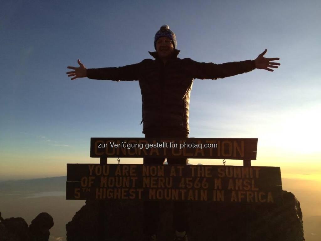 25.1., 06h30 pünktlich zum Sunrise auf dem Mt. Meru, © Karl Mauracher (27.01.2013)