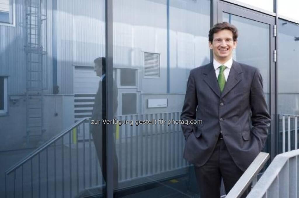 Vorstandsvorsitzender Peter Mitterbauer übergibt per 1. Juli 2013 den Vorstandsvorsitz an seinen Sohn, ebenfalls Peter Mitterbauer (Bild) (c) Miba (27.01.2013)