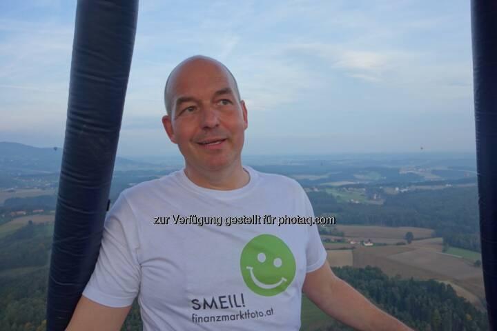 Dirk Hermann Smeil aus dem Ballon über der Steiermark. Mehr Smeil unter http://photaq.com/page/index/374