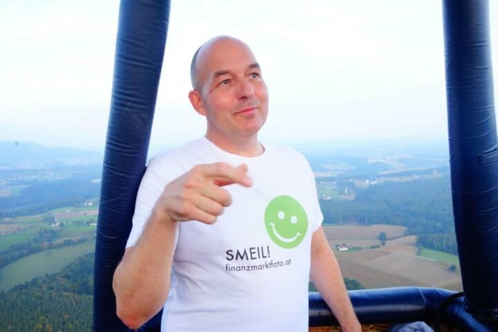 Dirk Hermann Smeil aus dem Ballon über der Steiermark. Mehr von Dirk unter http://photaq.com/page/index/605