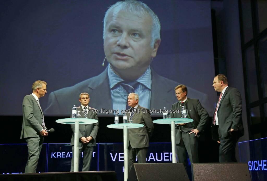 Moderator, Heinrich Schaller, Alexander Rahr, Heinz Pöttinger, Marc Deimling, © RLB OÖ/Strobl  (14.10.2014)