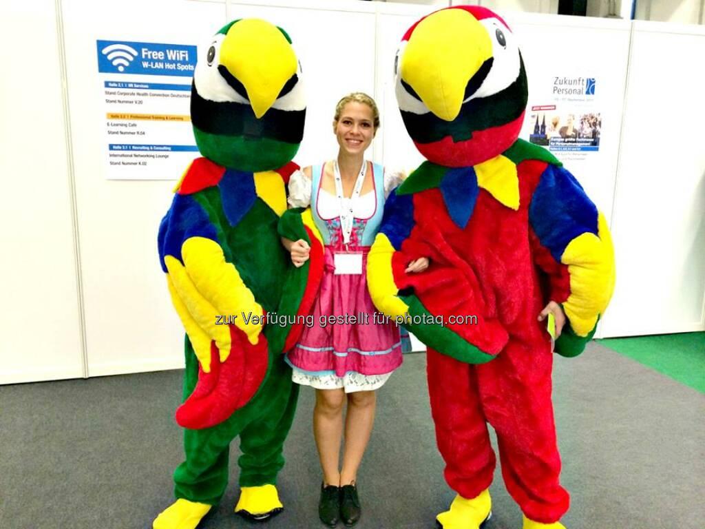 whatchado Free Wifi Wir sind bei Europas größter Fachmesse für Personalmanagement Zukunft Personal in Köln am Start! Hier schon mal ein kleiner Eindruck vom Messetag 1.  Kommt uns doch bis Donnerstag besuchen und erzählt uns eure Geschichte! #EveryStoryCounts #ZP14 #dasrockt #wirfreuenunsaufeuch  Source: http://twitter.com/whatchado, © whatchado (14.10.2014)