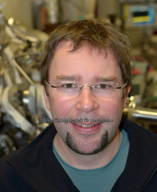 Ass.Prof. Stefan Müllegger, JKU Linz: An der Johannes Kepler Universität (JKU) Linz wurde weltweit erstmals ein Magnetresonanz-Experiment erfolgreich an einem einzelnen Spin durchgeführt. , © Aussender (15.10.2014)
