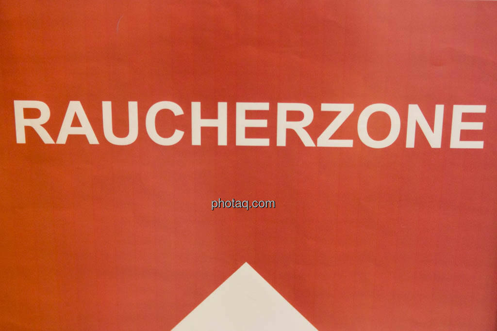 Raucherzone, © photaq/Martina Draper (16.10.2014)