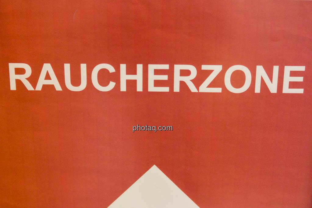 Raucherzone, © photaq/Martina Draper (16.10.2014)
