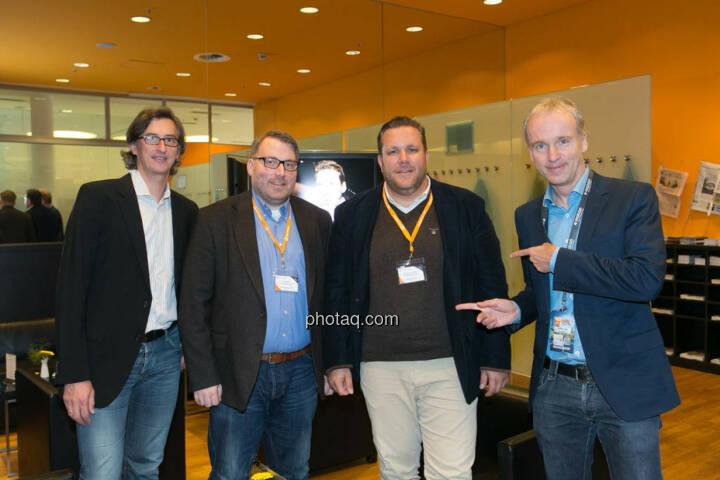 Veranstalter (aussen) und Sieger (innen, die Börsenblogger) des Smeil Award http://boerse-social.com/smeil 2014 Josef Chladek, Marc Schmidt, Christoph Scherbaum Christian Drastil