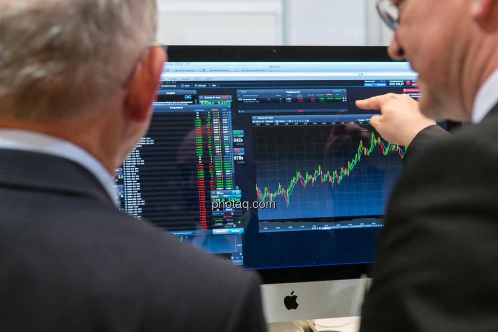 Kurs, Chart, Trading, © photaq/Martina Draper (16.10.2014)