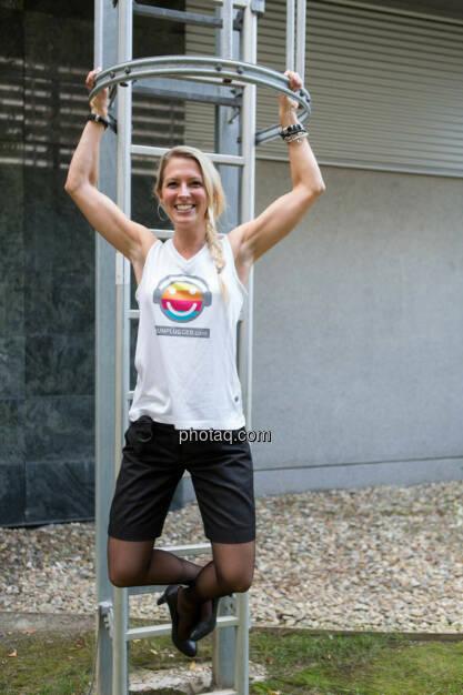 Nina Bergmann (finanzen.net) im runplugged shirt auf der Gewinnmesse, © runplugged/Martina Draper (16.10.2014)