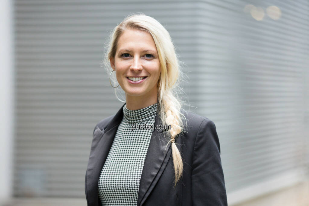 Nina Bergmann, finanzen.net - siehe auf Business Run Shooting unter http://photaq.com/page/index/1534 ., © photaq/Martina Draper (17.10.2014)