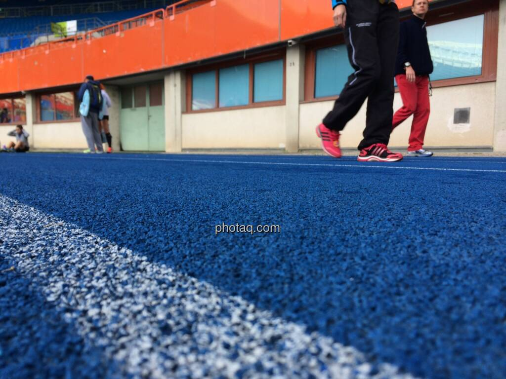 Ernst Happel Stadtion, Track and Field, Laufschuhe (19.10.2014)