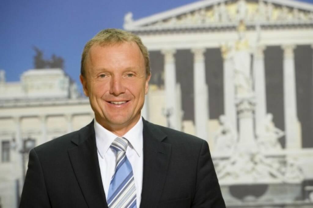 Reinhard Pisec (FPÖ) - Bundesratsmitglied - versendet via OTS, dass die Börsianer rot-schwarz nicht mögen (20.10.2014)