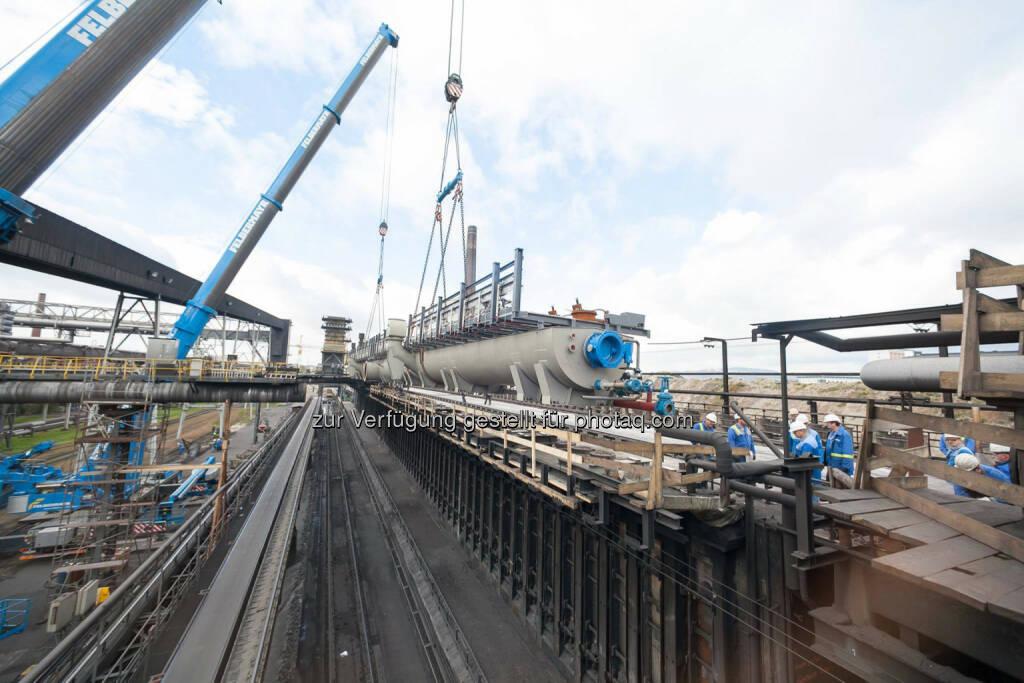 voestalpine: In einem Großprojekt wird derzeit die Kokerei Linz der voestalpine Stahl GmbH zukunftsfit gemacht. Alle fünf bestehenden Batterien werden nach und nach erneuert. Erfahren Sie mehr: http://bit.ly/1wqQTJe, © Aussender (20.10.2014)