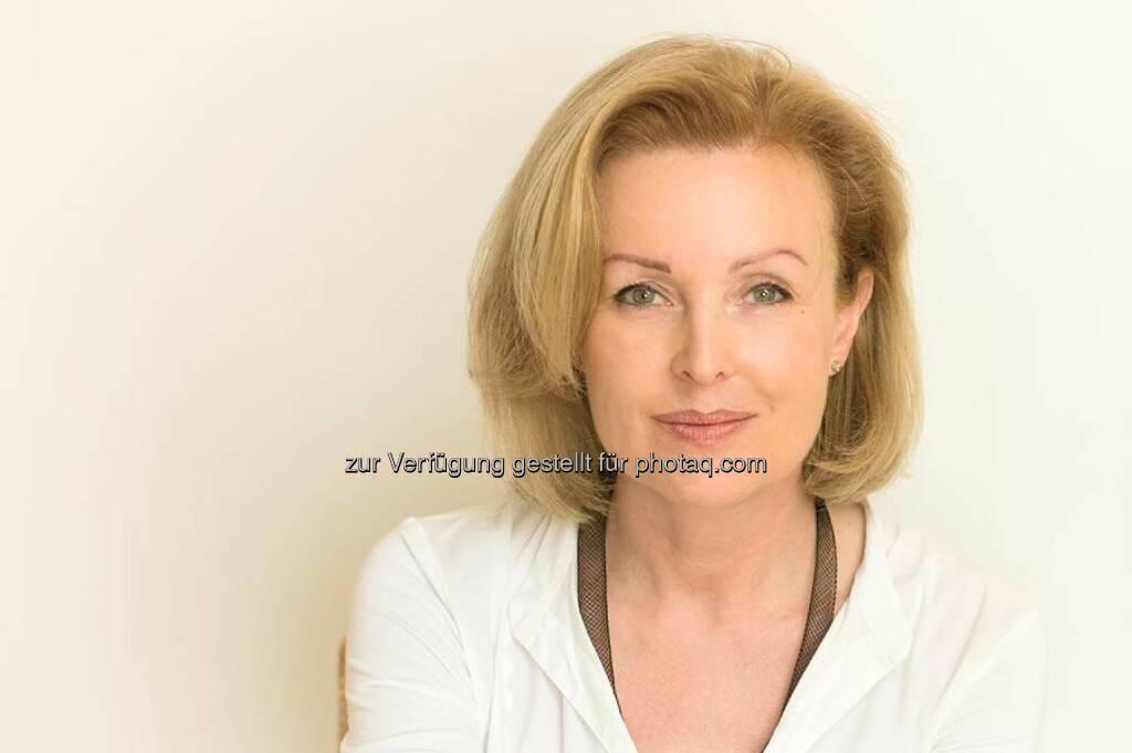 Monika Fuchs ist Vizepräsidentin und Gründungsmitglied der Österreichischen Gesellschaft für Mesotherapie e.V.j : 10 Jahre Österreichische Gesellschaft für Mesotherapie e.V. (20.10.2014)