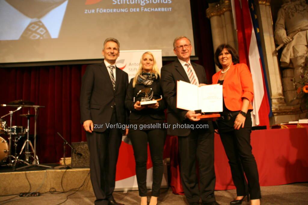ÖBB Österreichische Bundesbahnen: ÖBB-Preisträger: Anton-Benya-Preis an ÖBB-Lehrlinge verliehen, © Aussendung (21.10.2014)