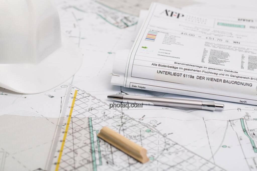 Bau, Bauplan, Helm, Bauordnung, Lineal, Plan (24.10.2014)