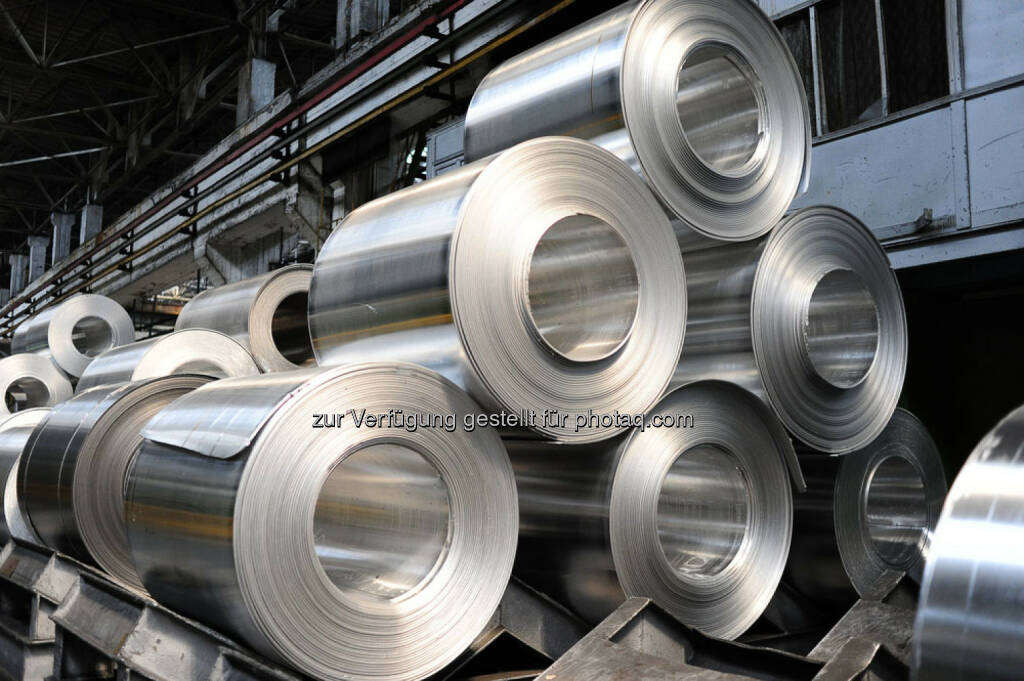 Aluminium, Alu, Aluminium Rollen, Metall, http://www.shutterstock.com/de/pic-153215531/stock-photo-rolls-of-aluminum-sheet.html (24.10.2014)