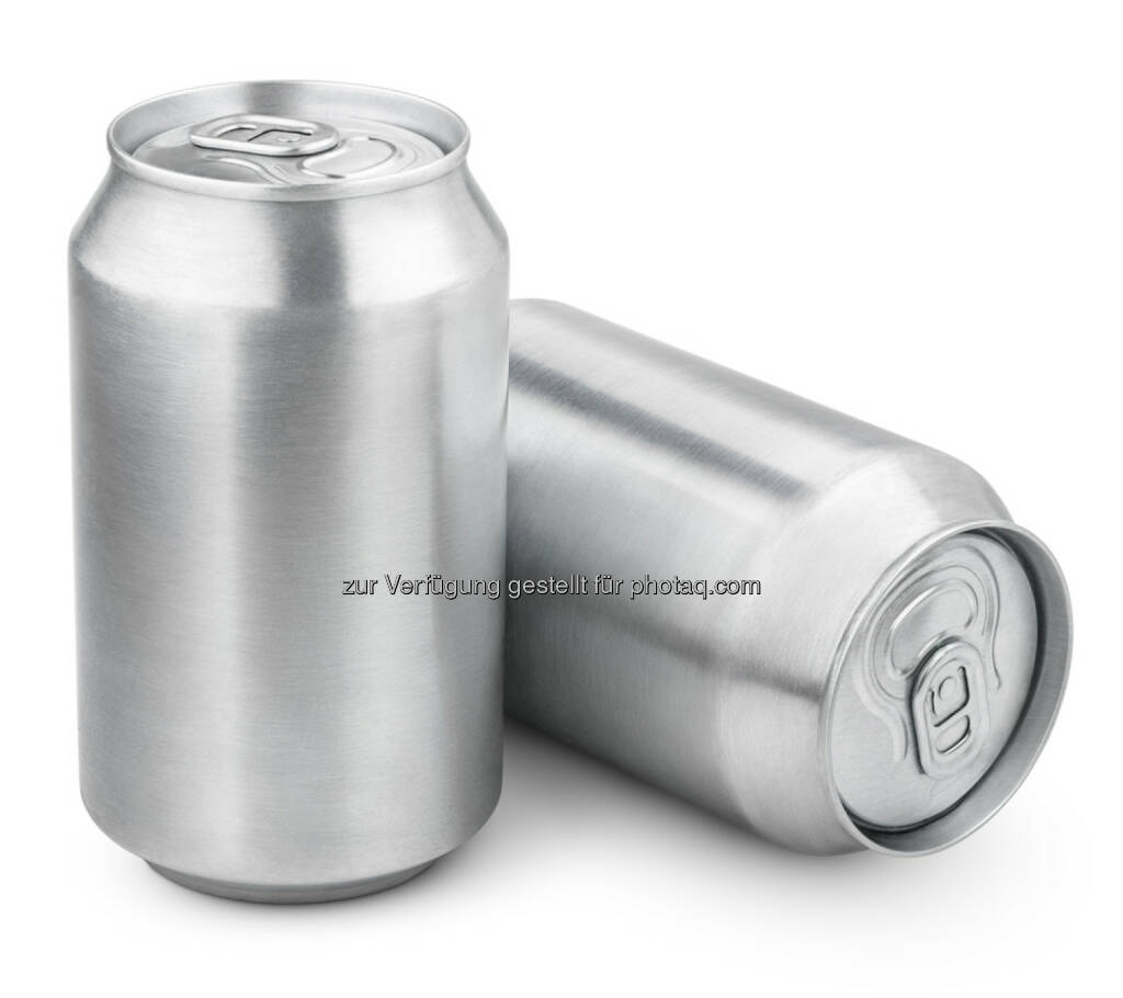 Aluminium, Alu, Dosen, Getränke, http://www.shutterstock.com/de/pic-195130895/stock-photo-two-ml-aluminum-soda-cans-isolated-on-white.html (24.10.2014)