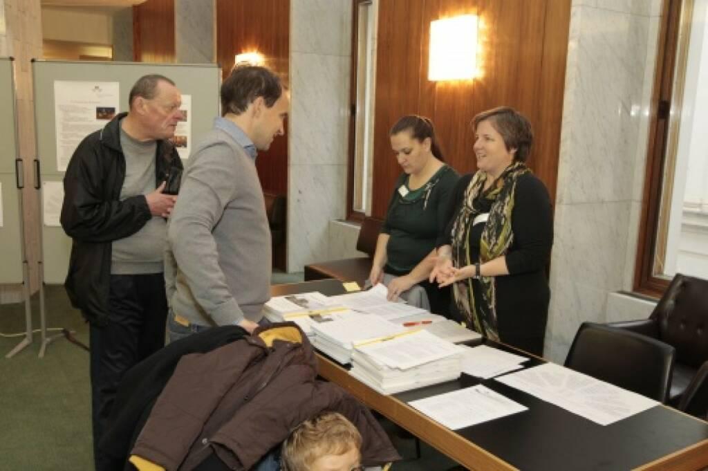 Parlamentsstenographinnen erklären ihren Arbeitsablauf, © Parlamentsdirektion / Bildagentur Zolles KB / Martin Steiger (26.10.2014)