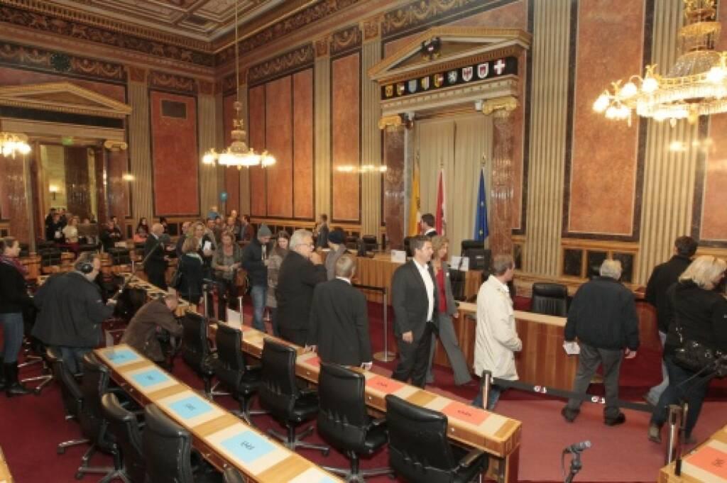 BesucherInnen im Bundesratssitzungssaal, © Parlamentsdirektion / Bildagentur Zolles KB / Martin Steiger (26.10.2014)