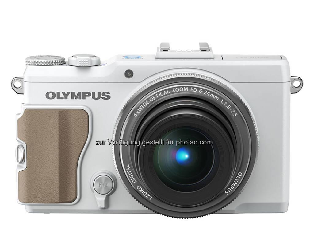 Olympus Stylus XZ-2 mit TruePic VI Bildprozessor, 12-Megapixel-Backlight-CMOS-Sensor, Objektivsteuerring und High-Speed-Videofunktion (120 Bilder pro Sekunde) (30.01.2013)